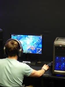 E-sport gamer